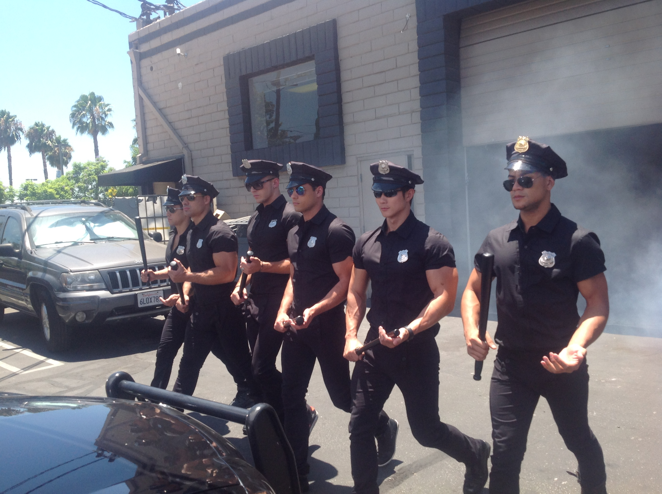 AC-PoliceCarWash-BehindTheScenes (17)