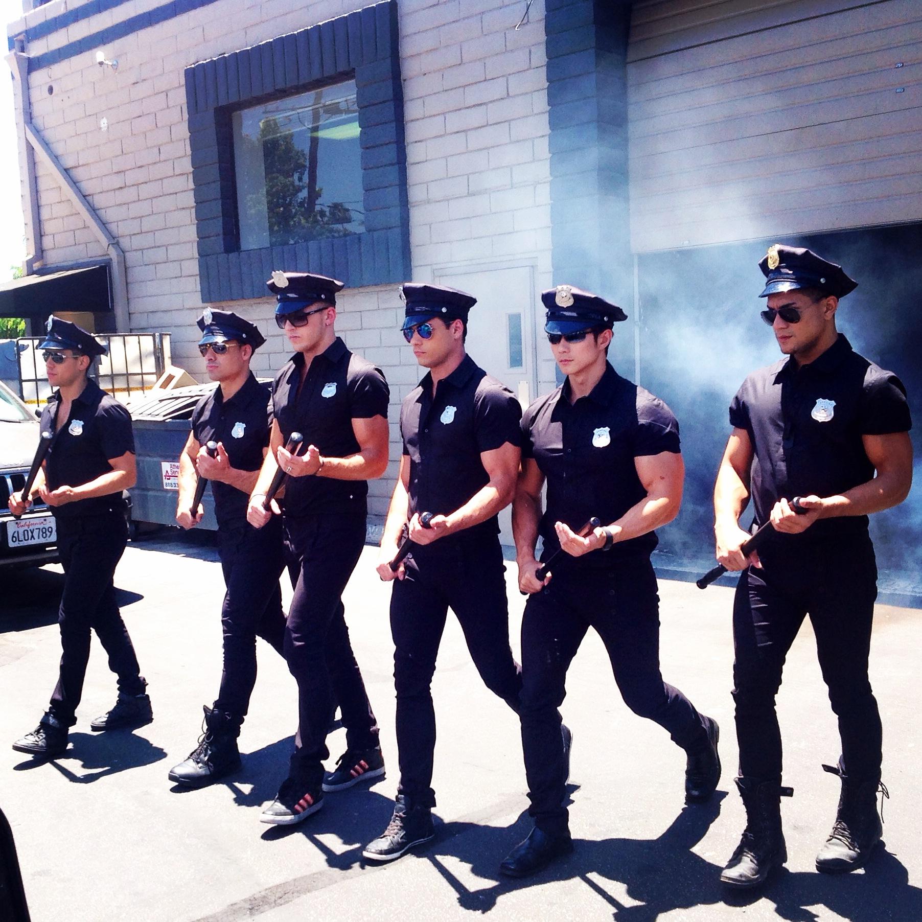 AC-PoliceCarWash-BehindTheScenes (19)